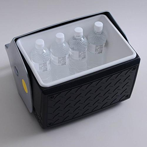 Igloo Cooler with Industrial Plate Design