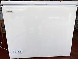 MAGIC CHEF MCCF35W2 3.5 Cubic-ft Chest Freezer Home, garden